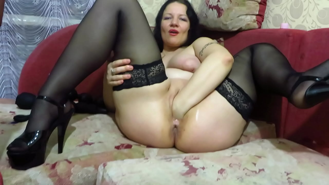 Mature pussy gapping